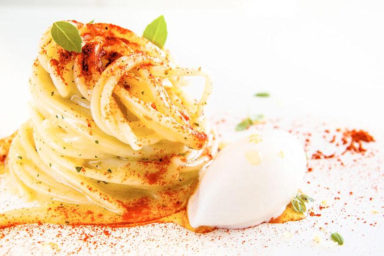 Aglio e olio con gelato al parmigiano e zenzero